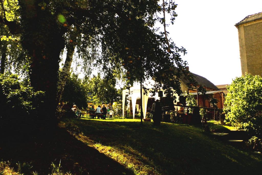 Garten des Schwesternhausgartens im Sommer